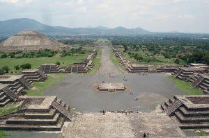 Teotihuacan View_from_Pyramide_de_la_luna