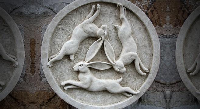 three hares symbol